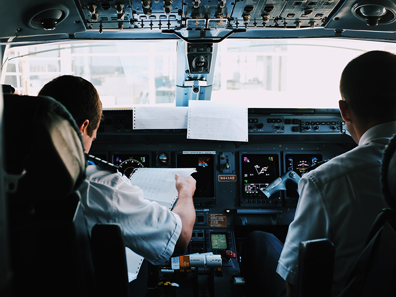 12 Reasons Why You Should Be a Pilot