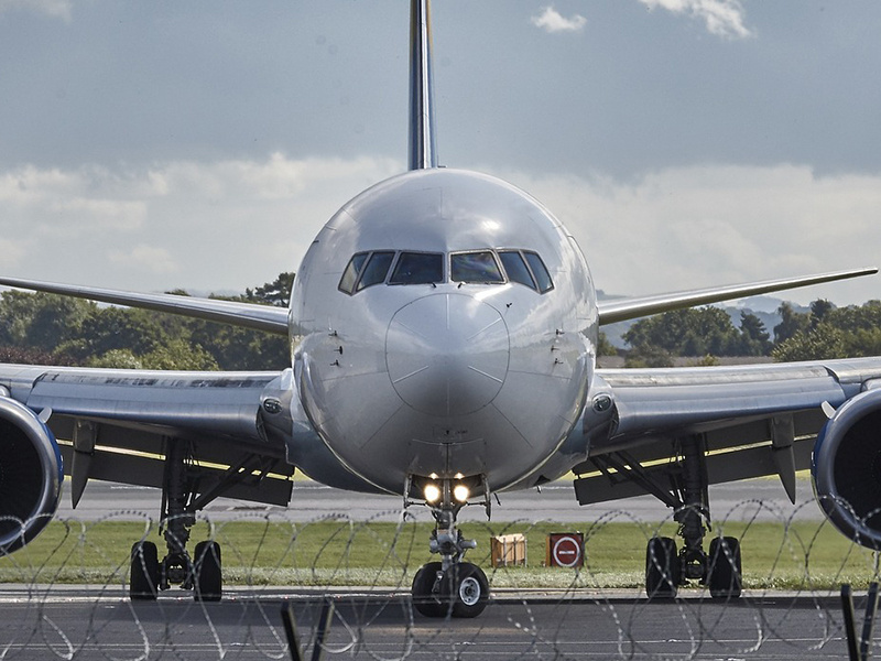 Commercial Aviation vs. Business Aviation: What's The Difference, Anyway?